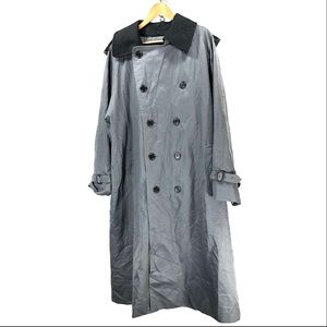 Burberry vintage trench coat w/ lining sz 44
